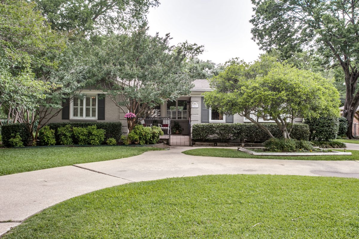 Image of 9125 Forest Hills Boulevard